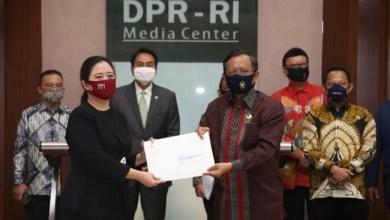 Photo of Di Saat Ribuan Massa Tolak RUU HIP, Pemerintah Malah Ajukan RUU BPIP ke DPR