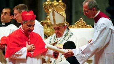 Photo of Dituduh Simpangkan Dana Kaum Miskin, Kardinal Vatikan Mundur
