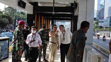 Photo of Tak Pakai Marah-marah, Anies Perbaiki Halte-halte TransJakarta yang Dirusak Massa