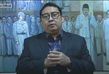Photo of Fadli Zon: Mencopot Baliho Tugas Satpol PP Bukan TNI