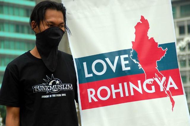 Aksi Kemanusiaan Love Rohingya - SuaraJakarta.com (01)