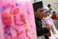 Wedding on the street (4)