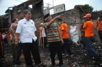 3 - PKS Bantu Korban Kebakaran