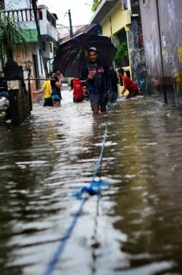 Banjir di Kec. Makasar, Jaktim - SuaraJakarta.com (4)