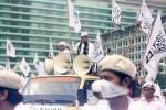 Massa Aksi melanjutkan aksinya dengan melakukan long march ke Gedung MNCTV di Kebon Sirih, Jakarta Pusat. (Foto: Ujang Komar/SJ)
