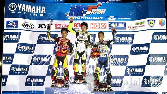 Podium YCR3 balapan malam YCR Makassar
