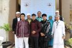 Dedy Mizwar dan beberapa para asatiz yg jugahadir pada Open House dan Halal Bihalal Istana Yatim. (Foto: Awan Setia Budi)