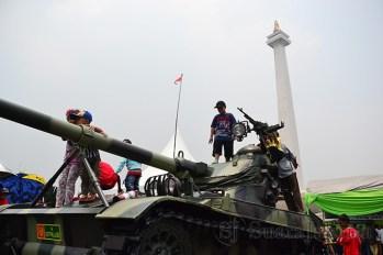Pameran Alutsista HUT TNI Ke-68 berlangsung selama 7 hari di lapangan Monas, Jakarta. (Foto: Fajrul Islam)