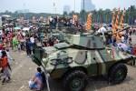 Wih! Ahok Minta TNI dan Polri Jadi Mandor Honorer Keamanan di DKI