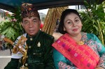 Raja Siladendeng Lombok sekaligus Ketua FSKN NTB Raden Tuan Haji Lalu Patria, M.Pd dan Permaisuri Hj. Husnul Chotimah. (Foto: Fajrul Islam/SJ)