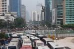Jalan MH Tamrin dan Bundaran HI Penuh Dengan Bus Buruh. (Foto: Pasha Aditia Febrian)