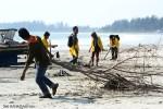 Aksi Bersih-Bersih Pantai Bengkulu