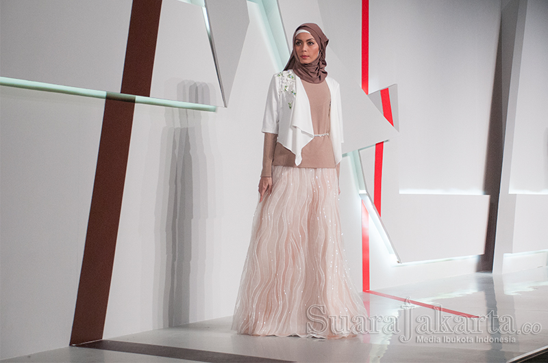 Peragaan Busana Muslimah di Indonesia Fashion Show 2015. (Foto: Fajrul Islam/SuaraJakarta)