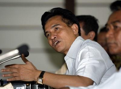 2 Kali Lakukan Kesalahan, Yusril Sarankan Jokowi Evaluasi Menkumham