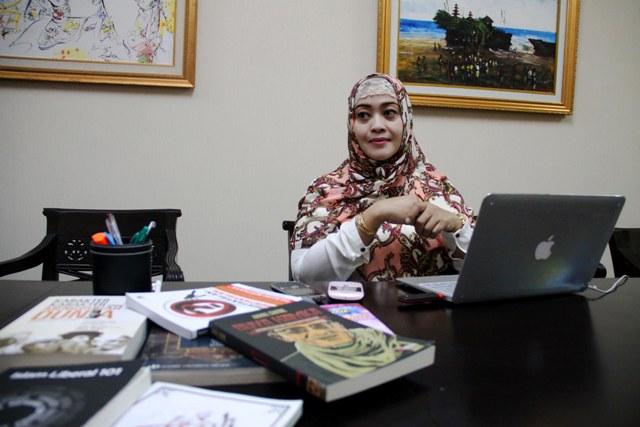 Pengusaha muda dan aktivis Indonesia Fahira Fahmi Idris saat ditemui di kantornya di Jakarta, Rabu (8/5).