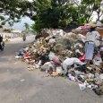 Sampah-Menggunung-di-Jalan-Nangka