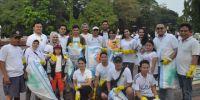 Sahabat Sandiaga Uno Ikut Sapu Bersih Sampah Jakarta