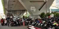 Parkir Liar dan PKL di Jalan Serdang Kemayoran Bikin Semrawut