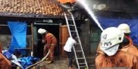 Kebakaran Di Kelurahan Gelora Hanguskan 5 Rumah