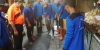 375 Petugas Turun Ke Jalan Bantu Warga Kerja Bakti