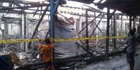 Kios PKL Di Pasar Poncol Terbakar