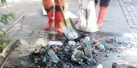 PPSU Bersihkan Saluran Air Yang Tersumbat Lumpur Dan Sampah