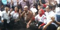 Relawan Jokowi Deklarasikan Dukung Anies-Sandi Di Depan Boy Sadikin