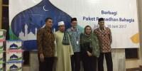 Peduli Masyarakat Sekitar, AXA Mandiri dan BAZNAS Salurkan Paket Ramadhan Bahagia