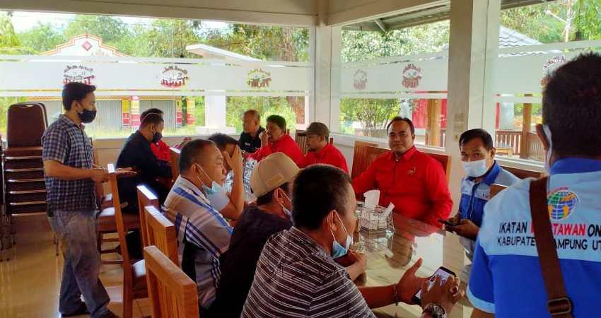 Kepala Rutan IIB Kotabumi Jamu Makan Siang Awak Media