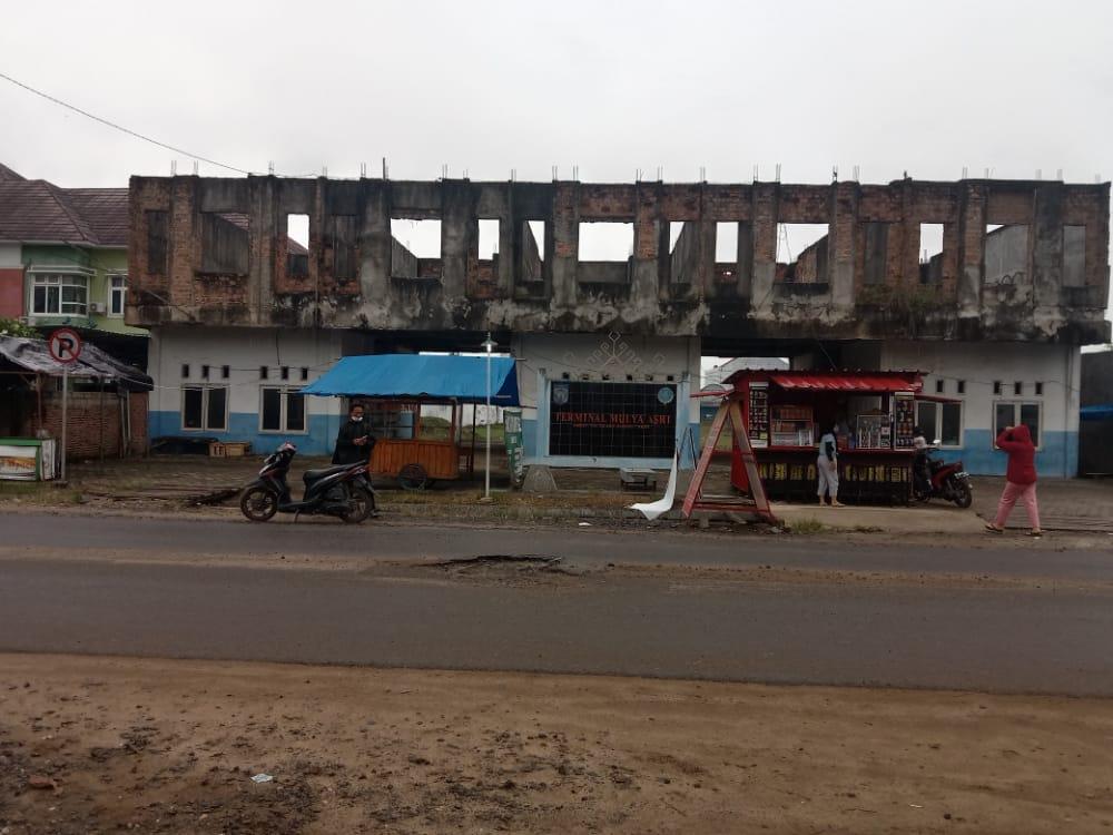 Pungutan Kendaraan Oleh Petugas Dishub Tubaba Diduga Pungli Berkedok Retribusi Terminal Mulya Asri