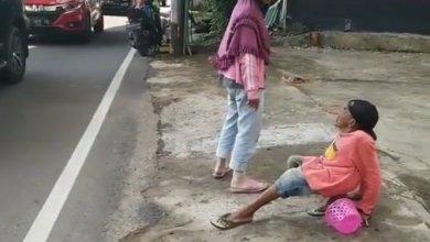 Photo of Wanita paksa suami cacat minta sedekah