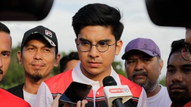 Photo of Syed Saddiq tolak Vellfire, Mercedez-Benz