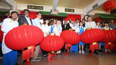 Photo of Tanglung dan Jawi: Menteri tunjuk sikap 'bias', kata Mufti Perlis