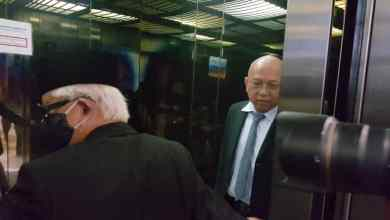 Photo of Saksi menangis, tegaskan cek yang diberi kepada Ahmad Zahid sumbangan politik