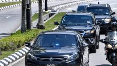 Photo of Anwar, Wan Azizah selesai menghadap Agong
