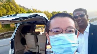 Photo of Tayar kereta Guan Eng pancit ketika menuju ke pejabat SPRM