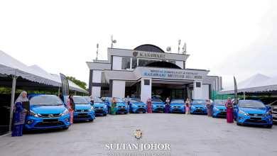 Photo of Sultan Johor kurnia 10 jururawat sebuah MyVi setiap seorang