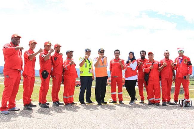 Simulasi Penanggulangan Keadaan Darurat di Bandara Waghete