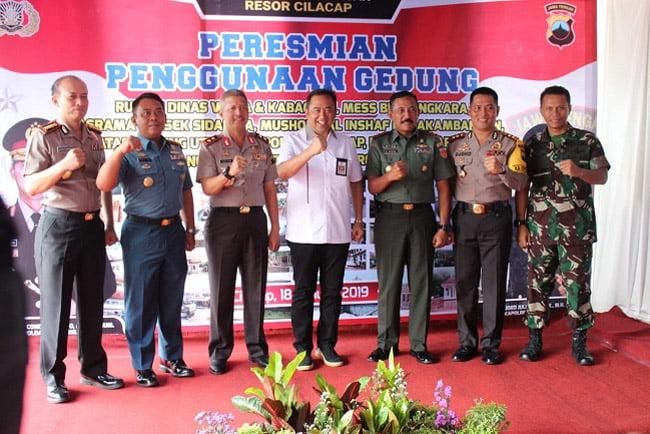 Pangdam IV Diponegoro dan Kapolda Jateng Kunjungi Cilacap