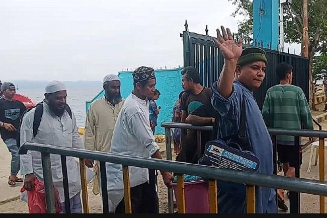 Delapan Jamaah Asal India Tiba di pelabuhan Raha Sulawesi Tenggara