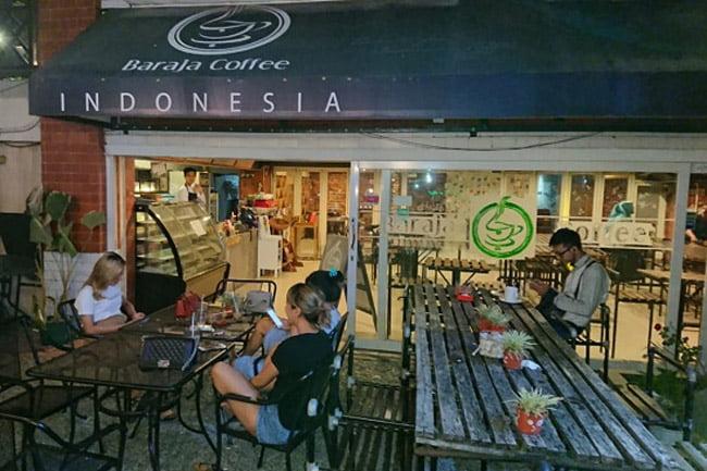 La Marzocco Linea Classic di Baraja Coffee Shop Cirebon