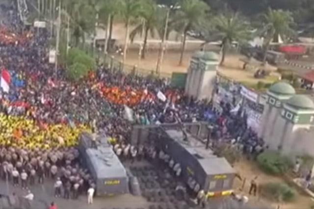 Pergerakan Mahasiswa Harus Menjadi Sumbu Kedaulatan Rakyat dan Revolusi