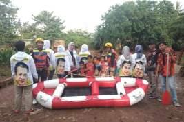 Peduli Banjir, Bamsoet Melalui Gerak BS Sumbangkan Perahu Karet