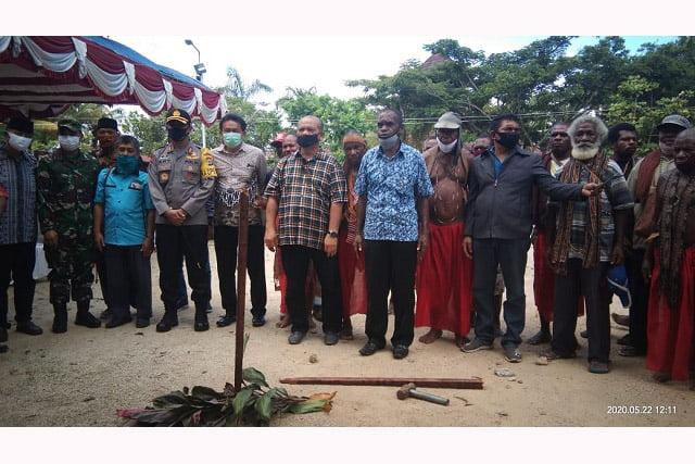 Tua-Tua Adat Suku Moi Gelar Sumpah Adat Hak Ulayat Tanah UM Sorong