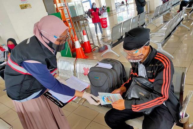 NFDMC Kampanyekan Mudik Selamat di Terminal Pulo Gebang