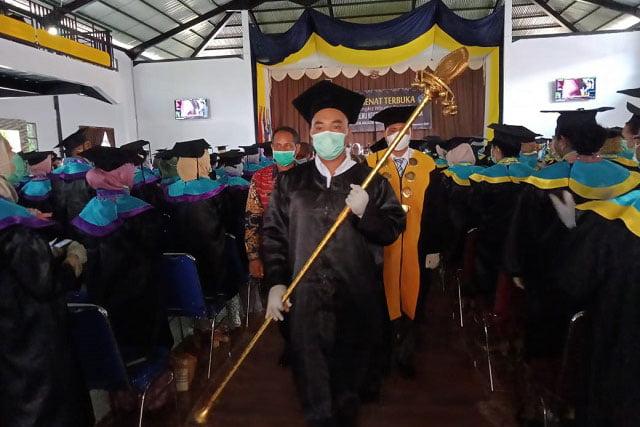 STIKes Maluku Husada Wisuda 521 Sarjana