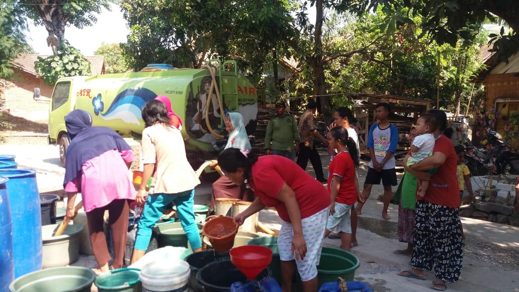 bantuan air Rembang