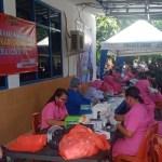 Ny.Novi Albertus  Pimpin Langsung Vaksin Merdeka Oleh Bhayangkari Polres Ende