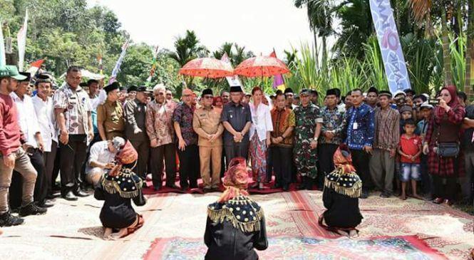 Wagub Fachrori Umar Hadiri Peletakan Batu Pertama Pembangunan PLTMH di Desa Lubuk Bangkar