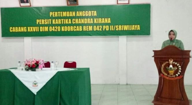 Ketua Persit KCK Cabang XXVII Dim 0420/Sarko Ajak Anggota Persit Untuk Slalu Menjaga Etika